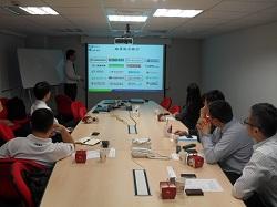 運籌網通郭士元副總介紹金雲平台的成果。