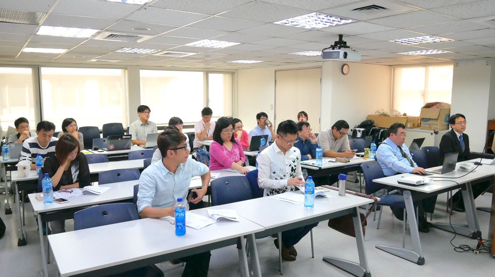 資通電腦 HCP 教育訓練 ESS 行動化服務打造效能提高效益